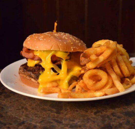 Hamburgers in Kenosha, burgers in kenosha, rons place kenosha wi