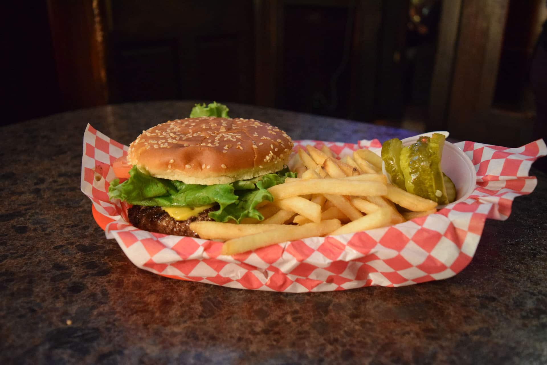 best burger in kenosha, rons place, kenosha burgers